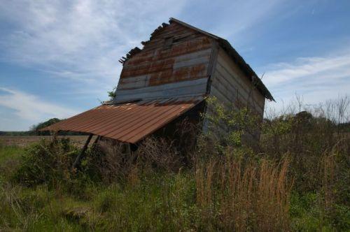 irwin county ga tobacco barn photograph copyright brian brown vanishing south georgia usa 20165