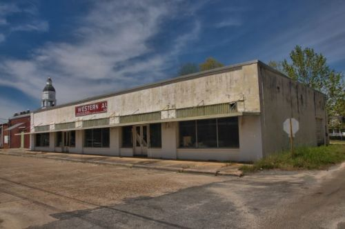 nashville ga western auto store photograph copyright brian brown vanishing south georgia usa 2016