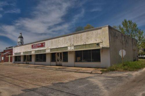 nashville ga western auto store photograph copyright brian brown vanishing south georgia usa 2016