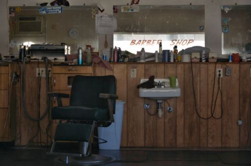 alma ga barber shop interior photograph copyright brian brown vanishing south georgia usa 2016