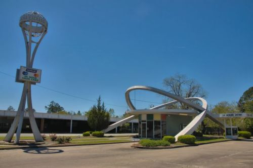 alma ga exchange bank googie architecture photograph copyright brian brown vanishing south georgia usa 2016