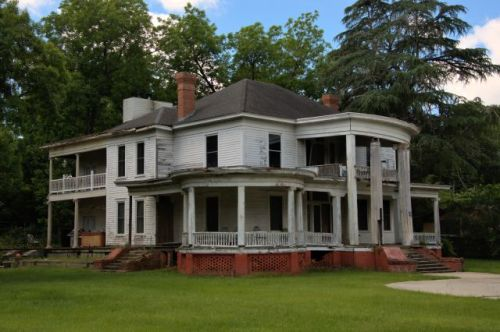 historic hawkinsville ga neoclassical house photograph copyright brian brown vanishing south georgia usa 2016