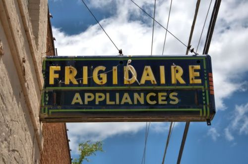 historic marshallville ga art deco frigidaire neon sign photograph copyright brian brown vanishing south georgia usa 2016