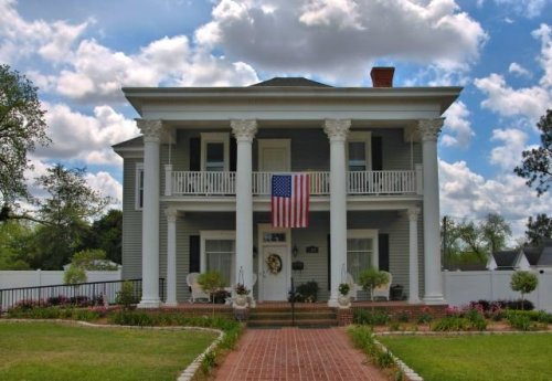 ocilla ga neoclassical revival house photogrpah copyright brian brown vanishing south georgia usa 2016