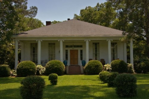 rochelle ga greek revival house photograph copyright brian brown vanishing south georgia usa 2016