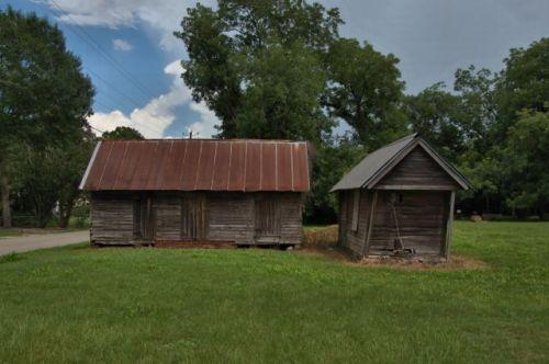 jakin ga barns photograph copyright brian brown vanishing south georgia usa 2016