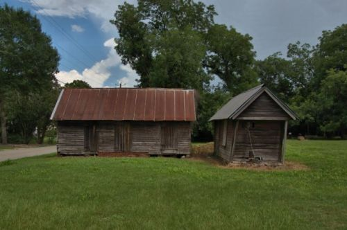 jakin ga barns photograph copyright brian brown vanishing south georgia usa 2016