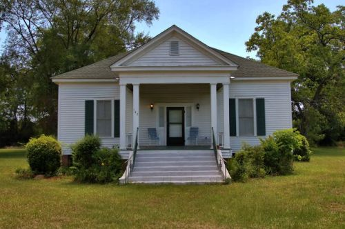 lilly ga greek revival house photograph copyright brian brown vanishing south georgia usa 2016
