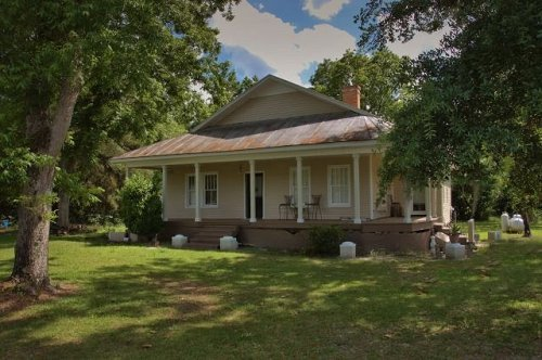 oliver ga gablefront cottage photograph copyright brian brown vanishing south georgia usa 2016