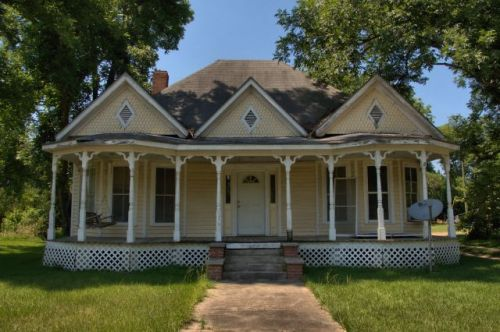 pitts ga three gabled queen anne house photograph copyright brian brown vanishing south georgia usa 2016