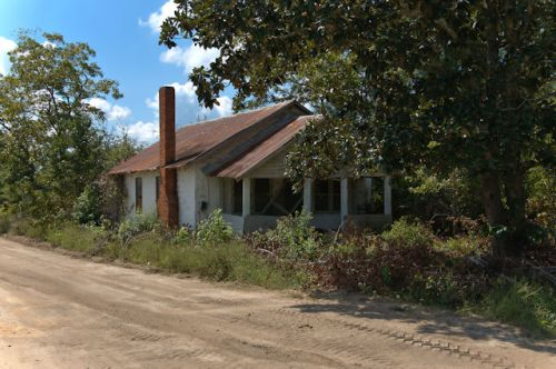 collins-ga-gablefront-house-photograph-copyright-brian-brown-vanishing-south-georgia-usa-2016