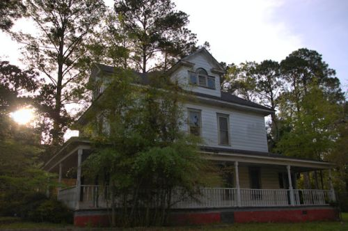 fitzgerald-ga-episcopal-vicarage-photograph-copyright-brian-brown-vanishing-south-georgia-usa-2016