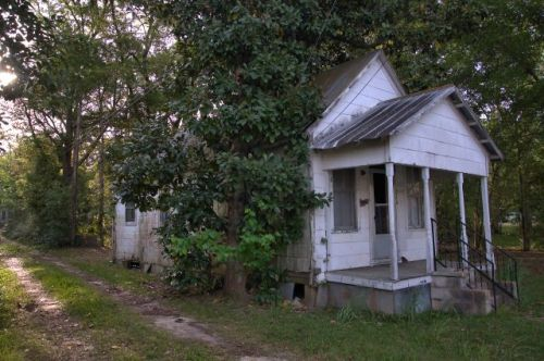fitzgerald-ga-shotgun-house-photograph-copyright-brian-brown-vanishing-south-georgia-usa-2016