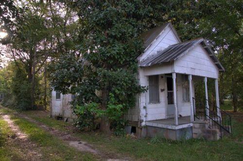fitzgerald-ga-shotgun-house-photograph-copyright-brian-brown-vanishing-south-georgia-usa-2016