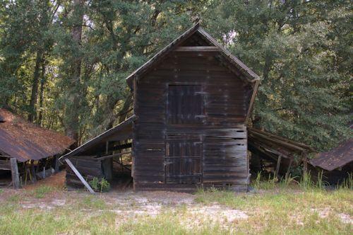 tattnall-county-hay-barn-photograph-copyright-brian-brown-vanishing-south-georgia-usa-2016