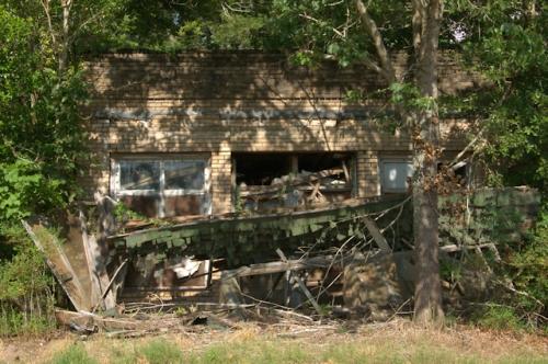 bridgeboro-ga-abandoned-store-photograph-copyright-brian-brown-vanishing-south-georgia-usa-2016
