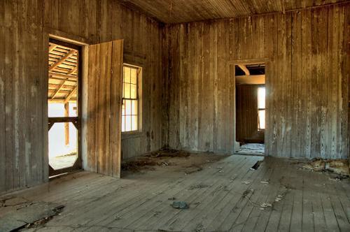 tattnall-county-ga-board-and-batten-farmhouse-interior-photograph-copyright-brian-brown-vanishing-south-georgia-usa-2016-b