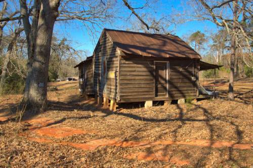 avera-ga-single-pen-house-photograph-copyright-brian-brown-vanishing-south-georgia-usa-2017