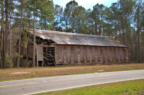 grady-county-ga-shade-tobacco-barn-sumatra-photograph-copyright-brian-brown-vanishing-south-georgia-usa-2017