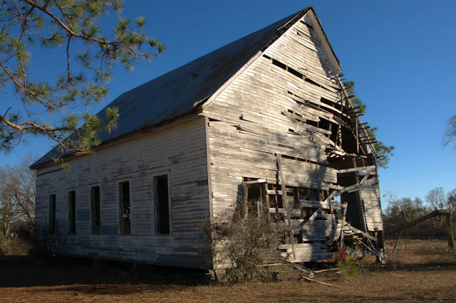 historic-youngs-chapel-ben-hill-county-tornado-damage-photograph-copyright-brian-brown-vanishing-south-georgia-usa-2017