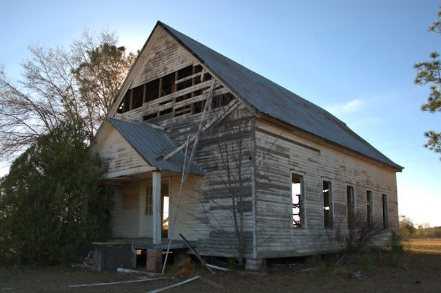 historic-youngs-chapel-methodist-church-tornado-damage-photograph-copyright-brian-brown-vanishing-south-georgia-usa-2017