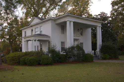 mcrae-ga-neoclassical-house-photograph-copyright-brian-brown-vanishing-south-georgia-usa-2017