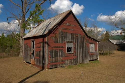 tarrytown-ga-vernacular-outbuilding-photograph-copyright-brian-brown-vanishing-south-georgia-usa-2017