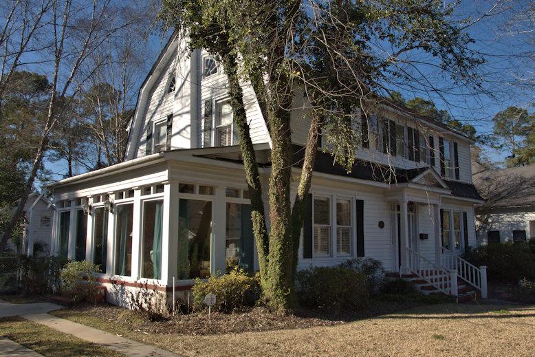 Dutch Colonial Revival House 1924 Douglas Vanishing South